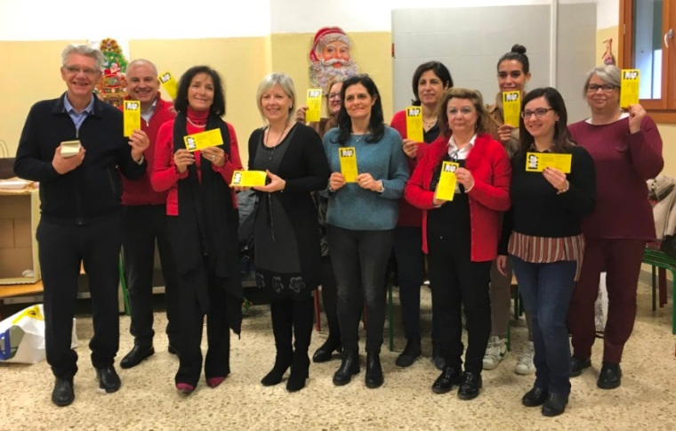 foto 1 consegna 20 dicembre 2019 comitato Marghera forever biglietti M9 classi terze Istituto Comprensivo Grimani.jpeg