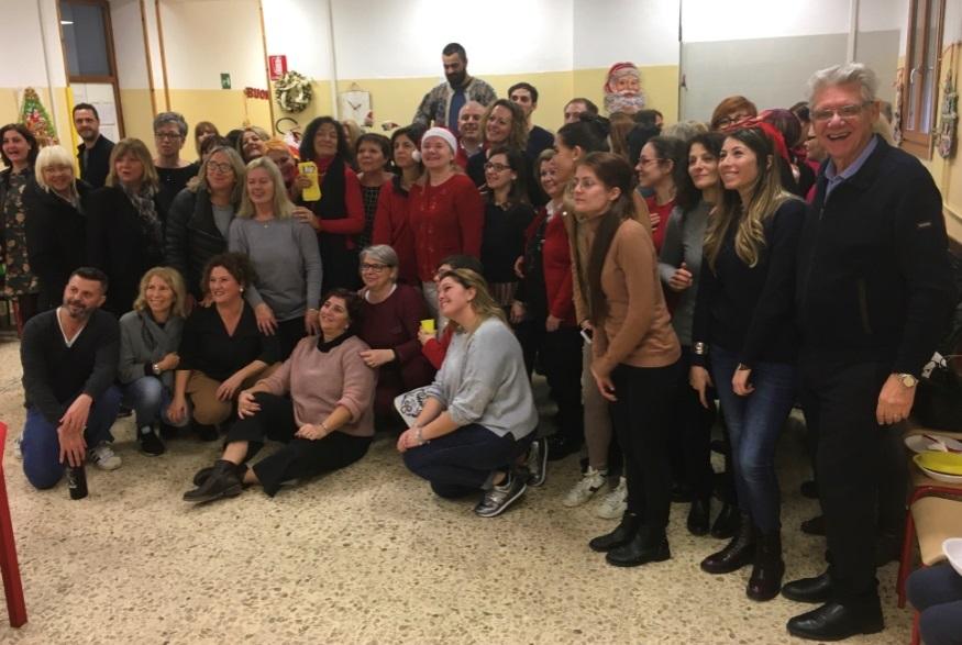 foto consegna 20 dicembre 2019 comitato Marghera forever biglietti M9 classi terze Istituto Comprensivo Grimani.jpeg
